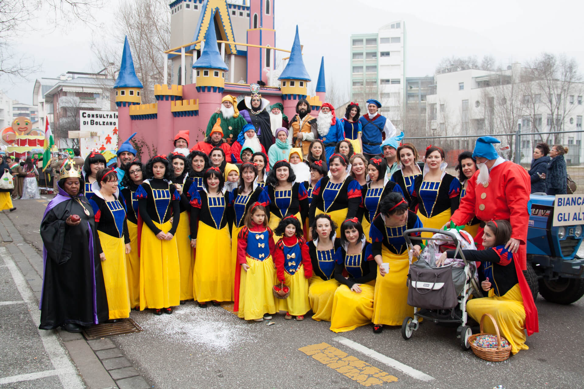 Biancaneve e gli altri nani 2015 Gruppo Carnevalesco